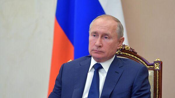 Рабочая встреча президента РФ В. Путина с главой Бурятии А. Цыденовым