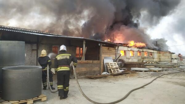 Пожар на территории производственного цеха в селе Сновицы Владимирской области