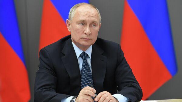 Путин указал на сокращение реальных доходов населения Тюменской области