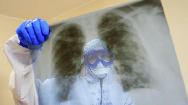 Медицинский работник ковид-госпиталя