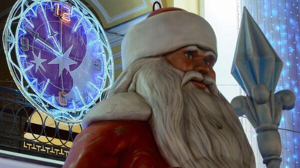 Новогоднее украшение Невского проспекта в Санкт-Петербурге