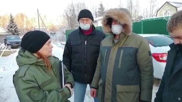 Следственные мероприятия с участием подозреваемых на месте убийства семьи в Московской области