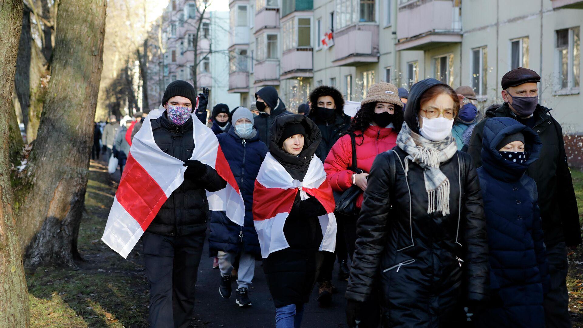 Участники несанкционированной акции протеста в Минске - РИА Новости, 1920, 06.12.2020