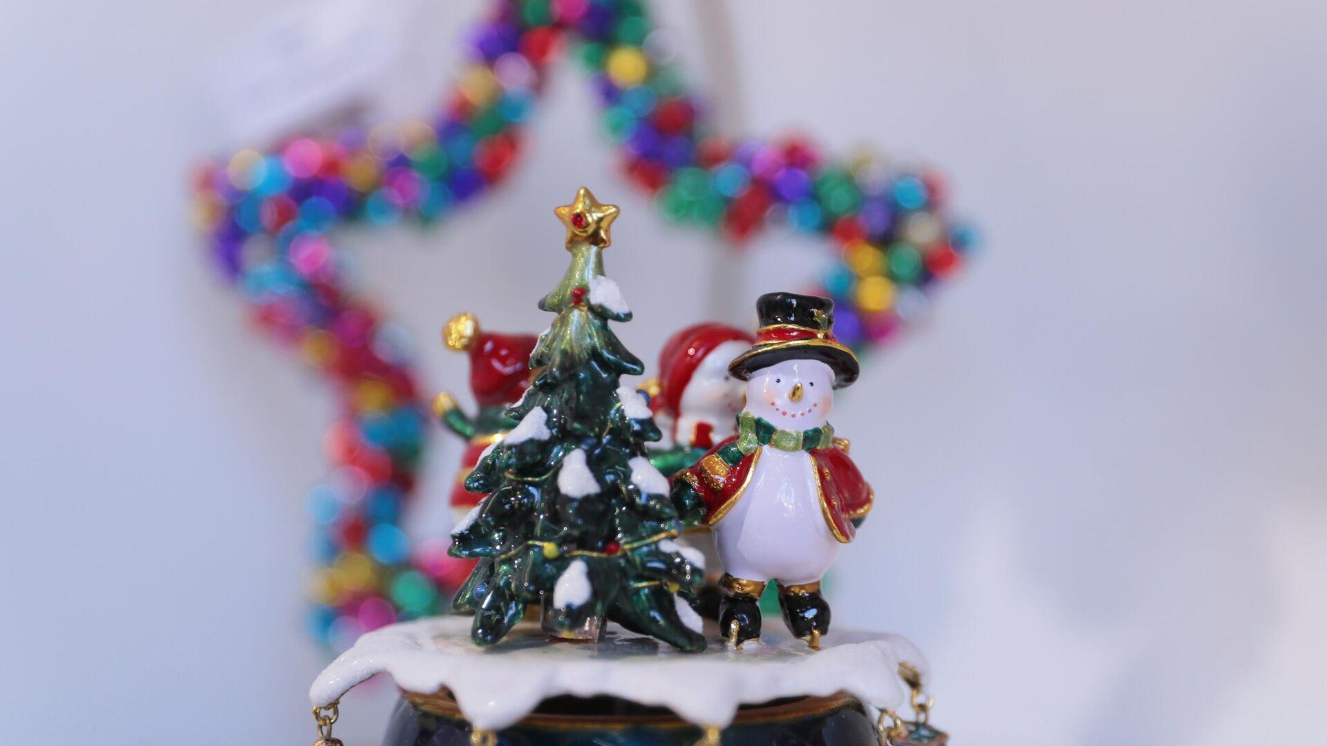 Почему не стоит долго держать новогоднюю елку в доме