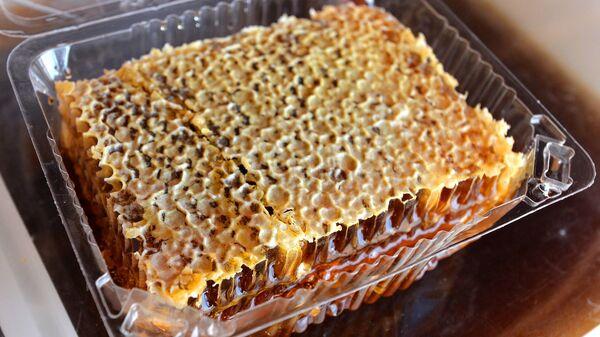 Соты с мёдом из Башкирии