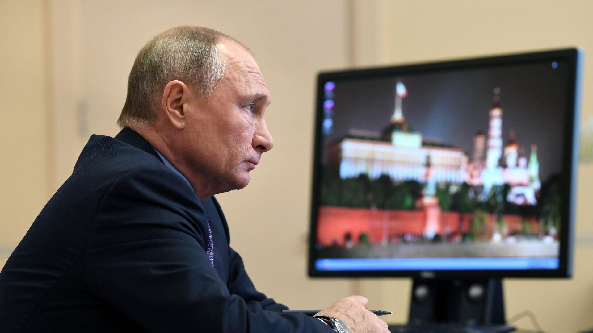 Владимир Путин проводит в режиме видеоконференции совещание с членами правительства РФ - РИА Новости, 1920, 09.12.2020