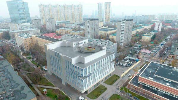 Корпус с вертолетной площадкой Боткинской больницы