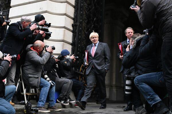 Премьер-министр Великобритании Борис Джонсон на Даунинг-стрит, 10 в Лондоне
