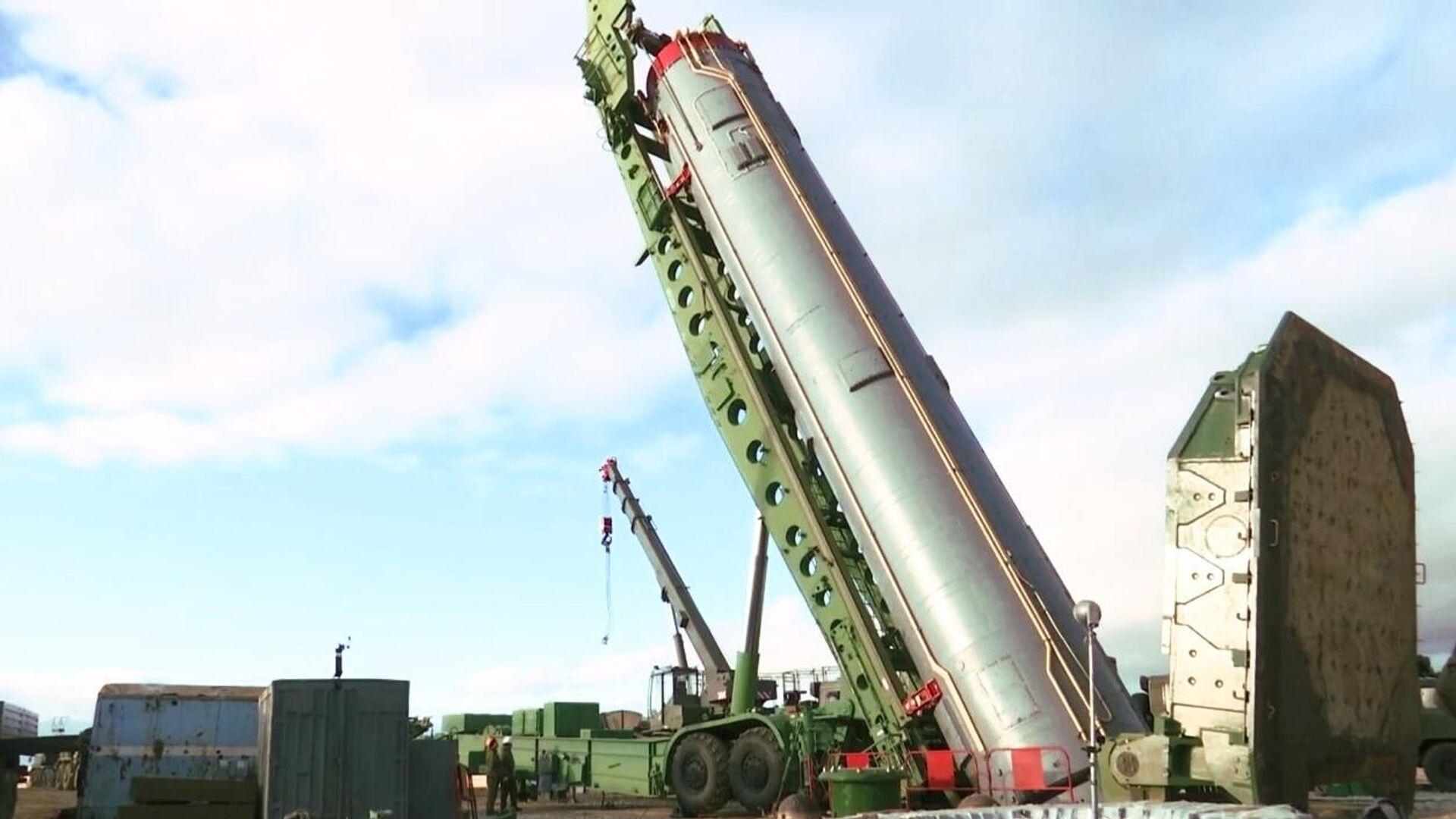 Межконтинентальная баллистическая ракета ракетного комплекса стратегического назначения Авангард  - РИА Новости, 1920, 02.04.2021