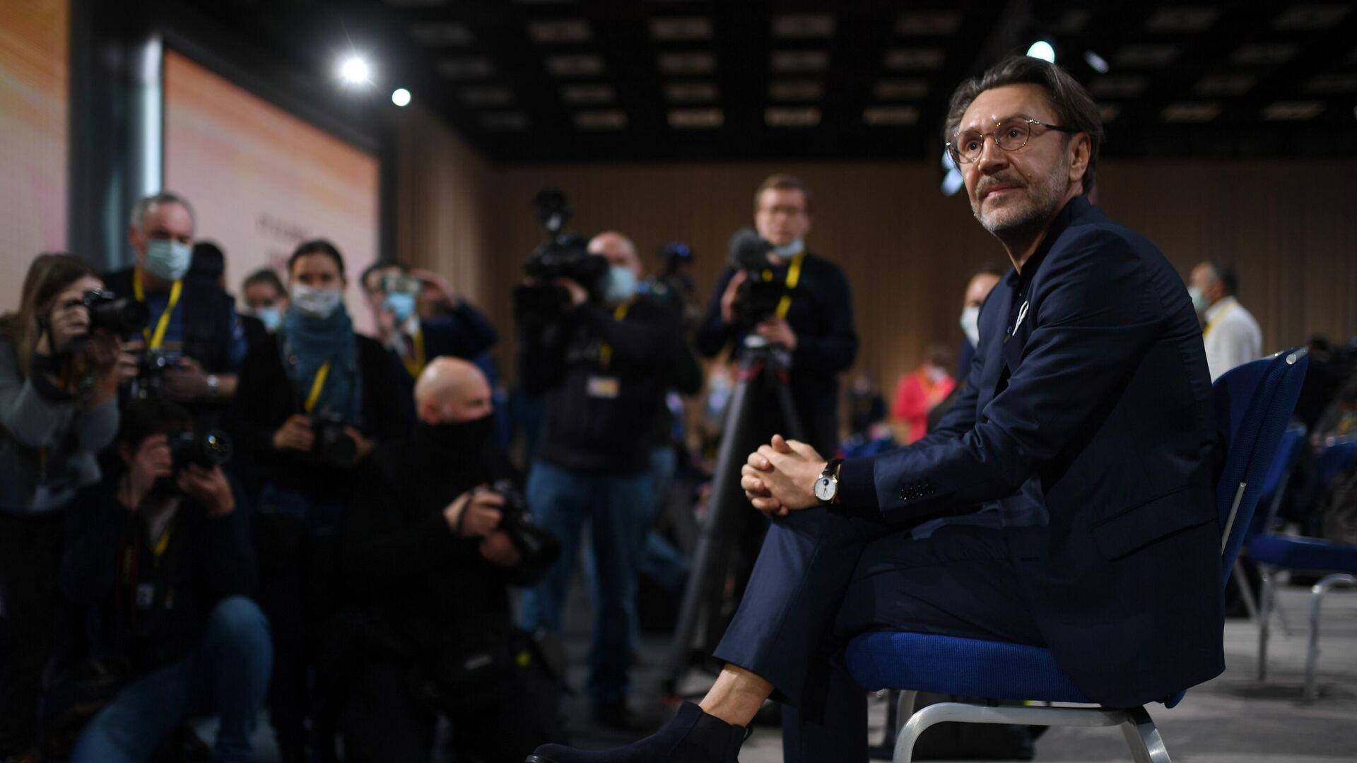 В Кремле оценили участие Шнурова в пресс-конференции Путина
