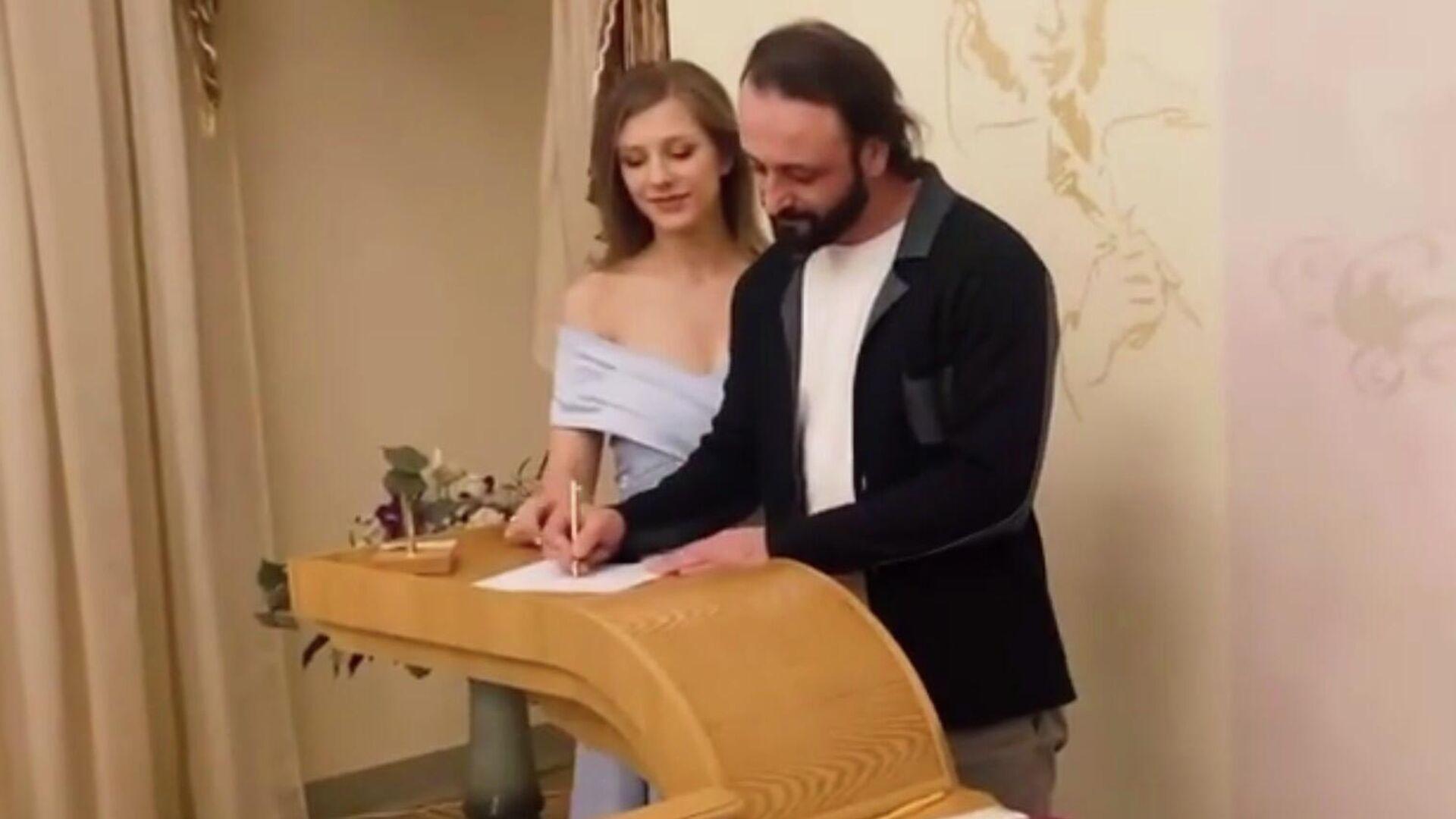 Церемония бракосочетания Ильи Авербуха и Лизы Арзамасовой - РИА Новости, 1920, 22.12.2020