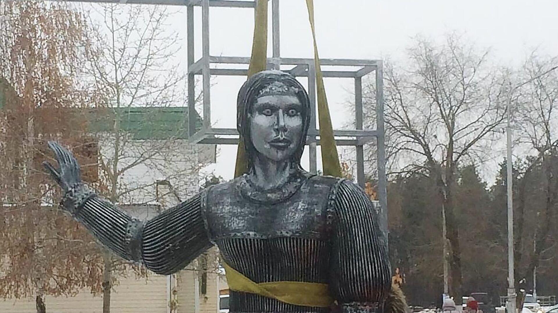 Демонтаж памятника Аленке в Нововоронеже - РИА Новости, 1920, 22.12.2020