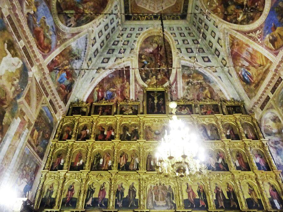 Спасо-Преображенский собор в кремле, резной иконостас