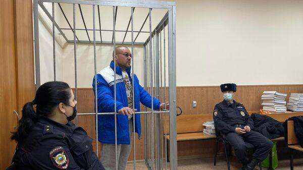 Алексей Гуддилин, обвиняемый в убийстве на национальной почве, на заседании Басманного суда города Москвы. 24 декабря 2020