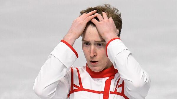 Александр Самарин выступает в короткой программе мужского одиночного катания на чемпионате России по фигурному катанию в Челябинске.