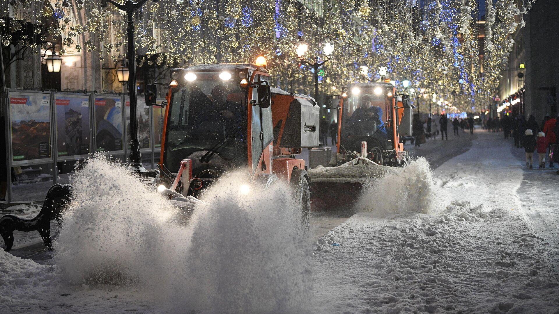 Снегоуборочная техника на Никольской улице в Москве - РИА Новости, 1920, 13.01.2021