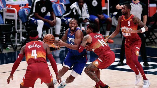 Игровой момент матча НБА Лос-Анджелес Клипперс - Денвер
