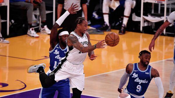 Матч НБА между командами Лос-Анджелес Лейкерс и Сан-Антонио Спёрс
