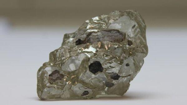 109-каратный алмаз, добытый в первый день 2021 года на трубке Нюрбинская