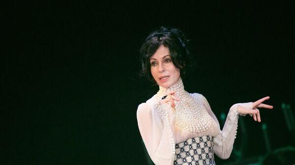 Ирина Апексимова, сцена из спектакля Чайка в Театре на Таганке