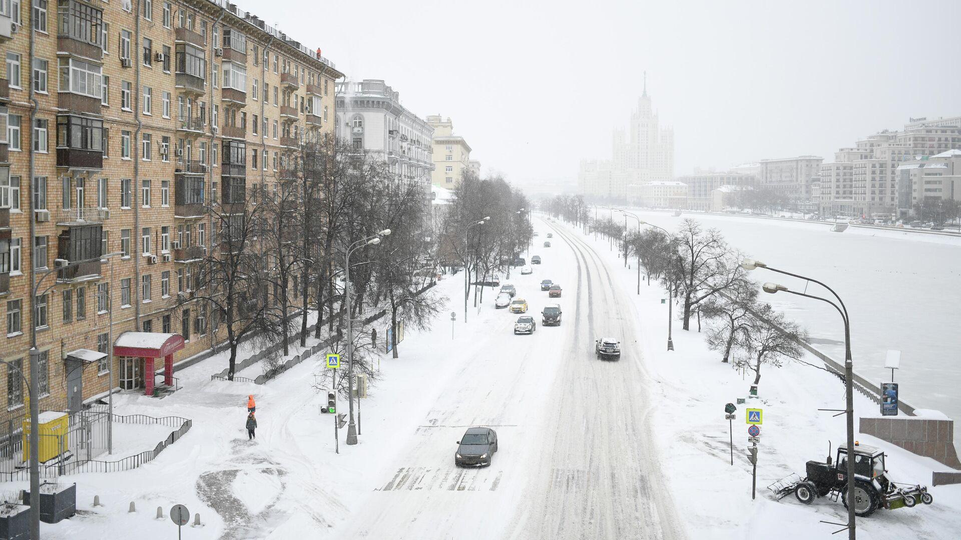 Космодамианская набережная в Москве во время снегопада - РИА Новости, 1920, 23.02.2021
