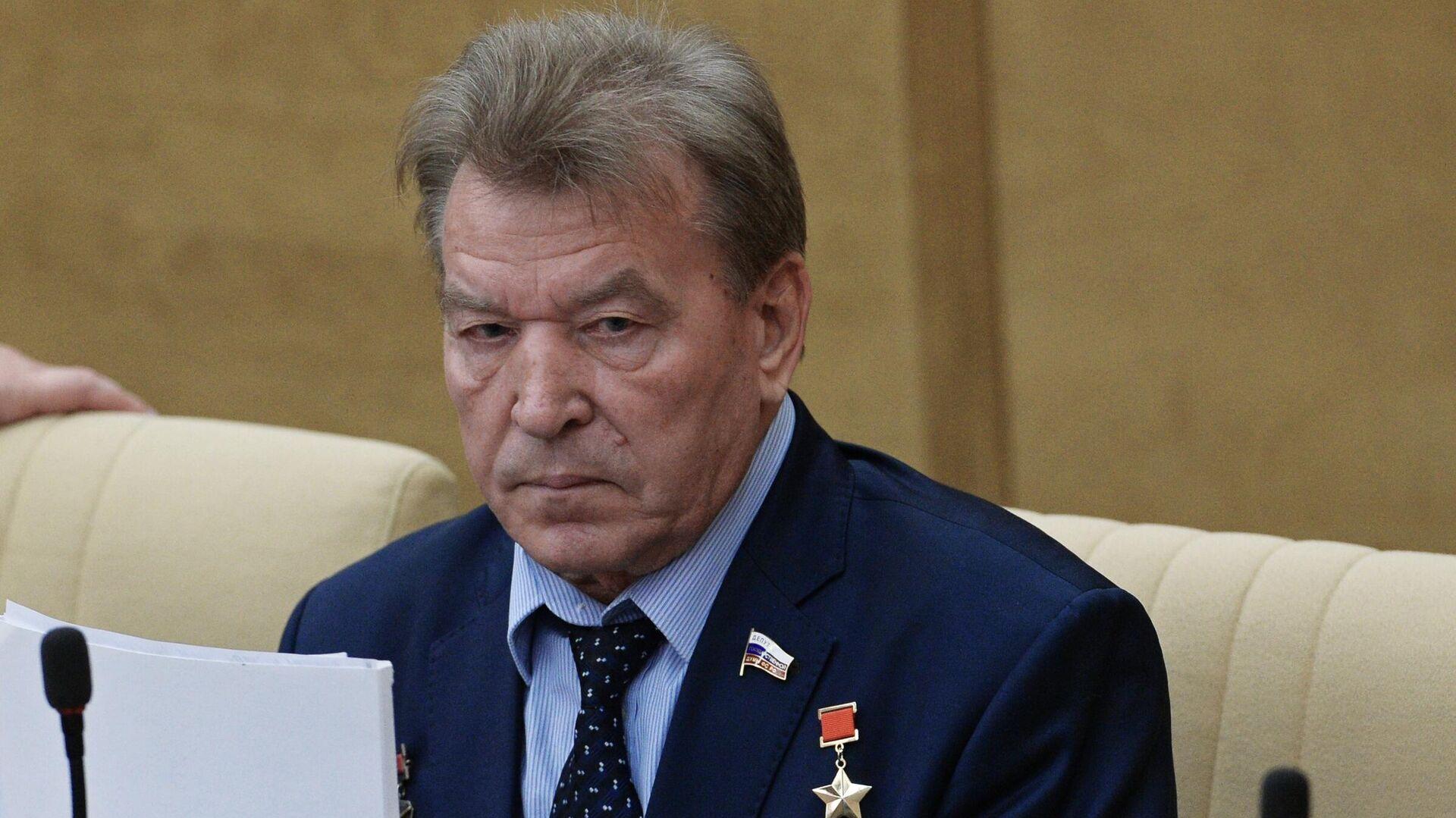 Пушков назвал Антошкина достойным и смелым человеком