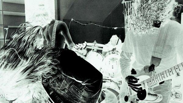 Обложка альбома Bleach группы Nirvana