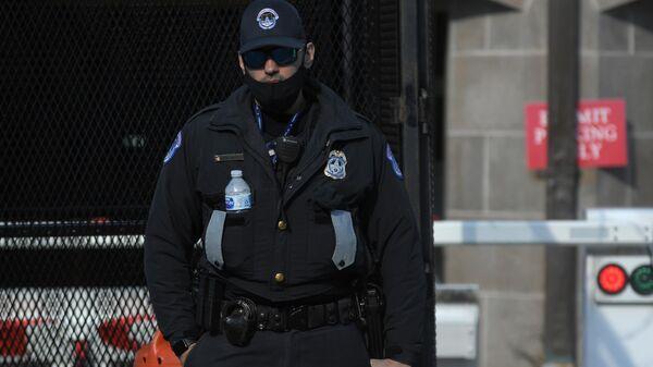 Сотрудник полиции в Вашингтоне