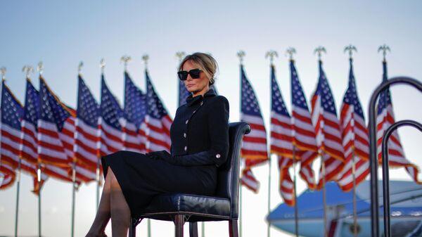 Меланья Трамп на базе Эндрюс, штат Мэриленд