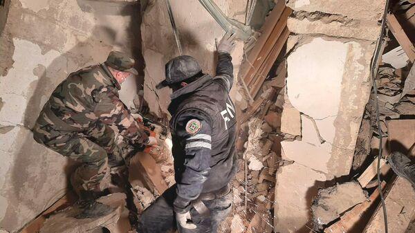 Последствия взрыва в городе Хырдалан в Азербайджане