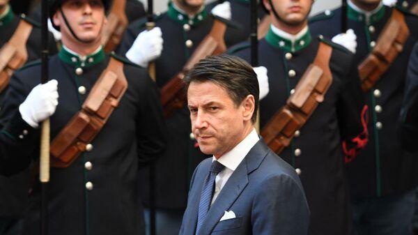 Белль Конте. Премьер Италии ушел, чтобы остаться