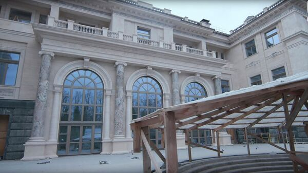 Кадр из репортажа Mash Сказочный дворец: первая экскурсия по дворцу в Геленджике