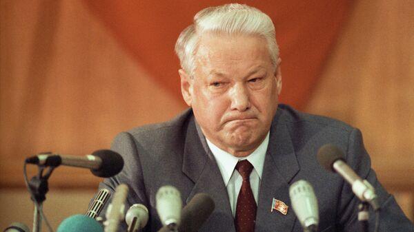 Руцкой рассказал о роли близкого к Ельцину иностранца в распаде СССР