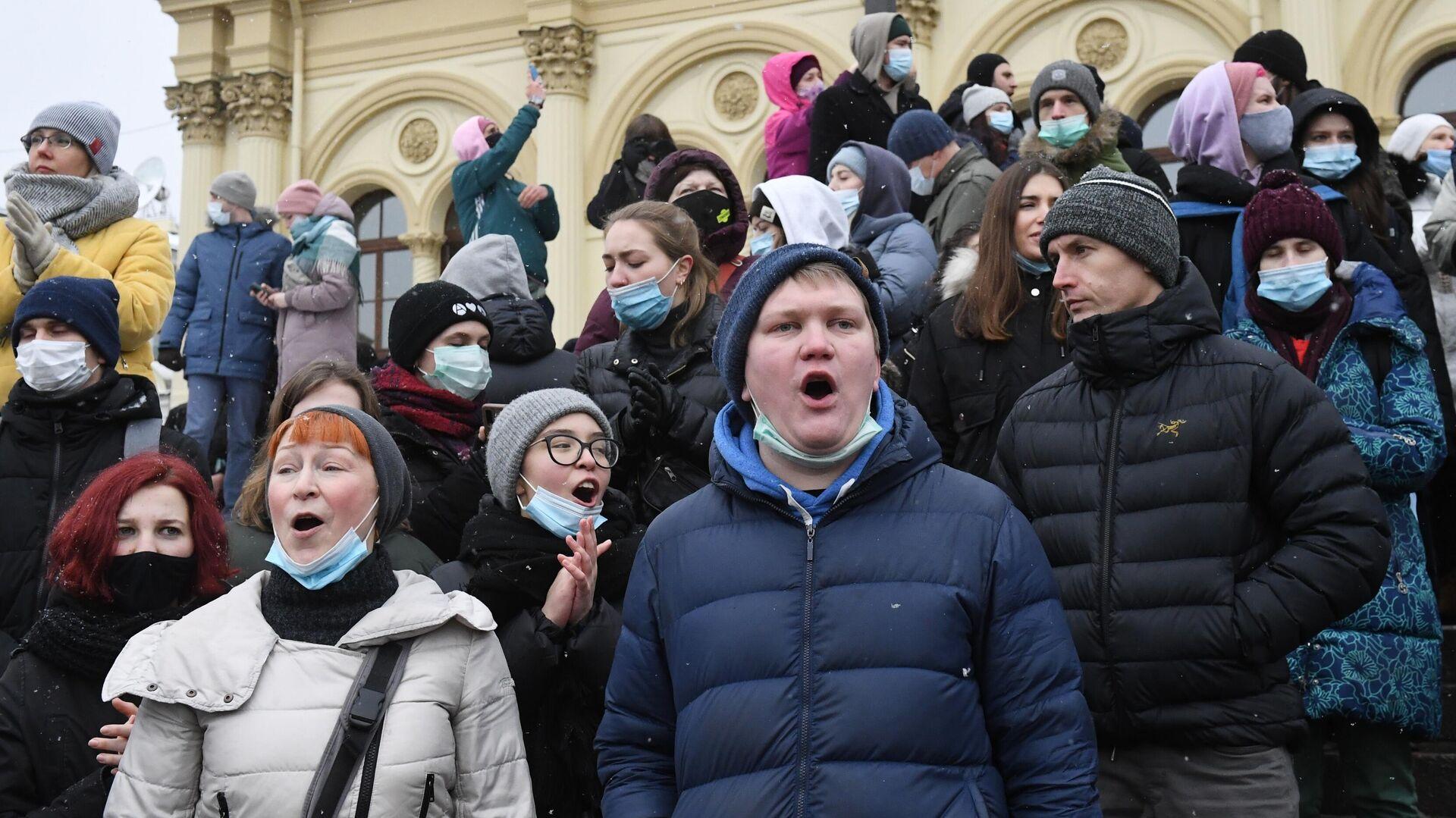 Сторонники Навального не добьются освобождения скандального блогера
