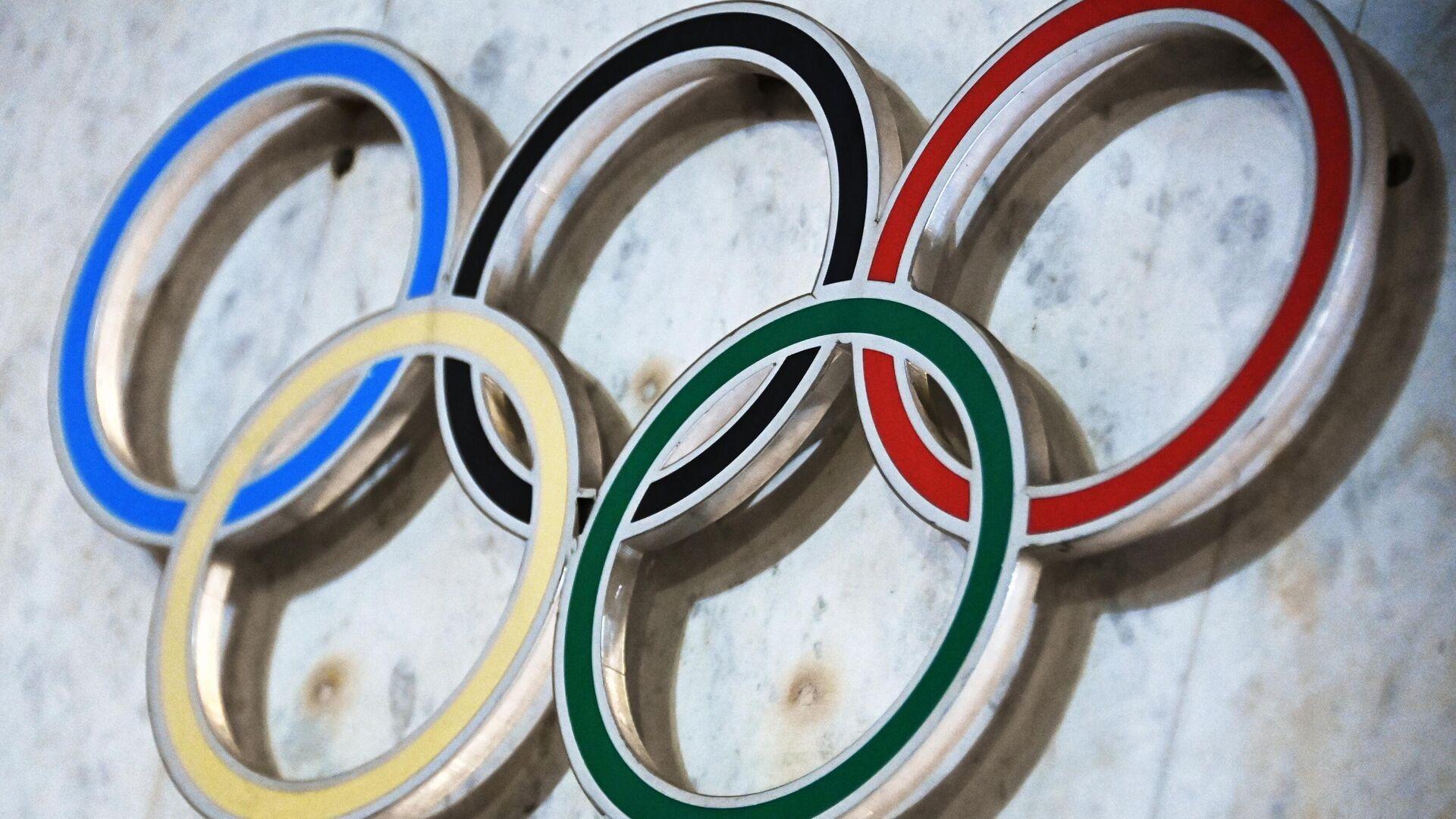 Симворика на здании Олимпийского комитета России (ОКР) на Лужнецкой набережной - РИА Новости, 1920, 14.04.2021