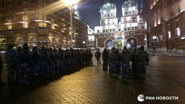 Сотрудники полиции на Красной площади в Москве