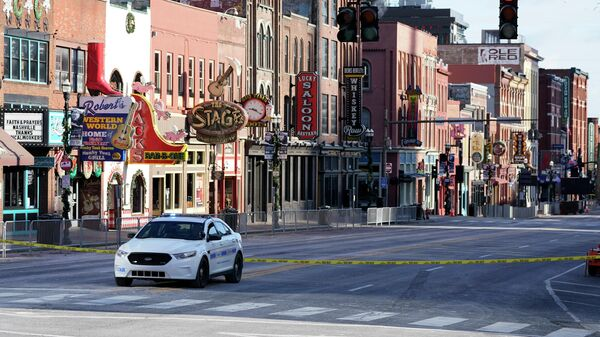 Автомобиль полиции на улице Нэшвилла, США