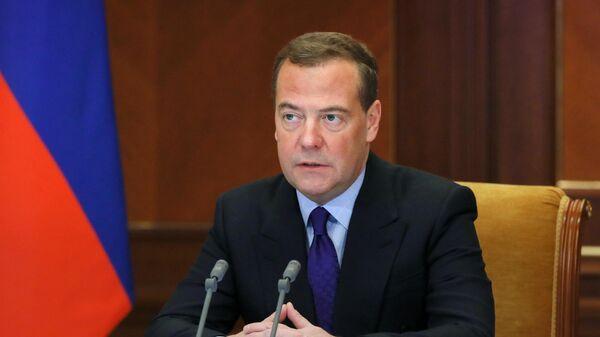 Дмитрий Медведев проводит заседание межведомственной комиссии Совета безопасности РФ по вопросам создания национальной системы защиты от новых инфекций