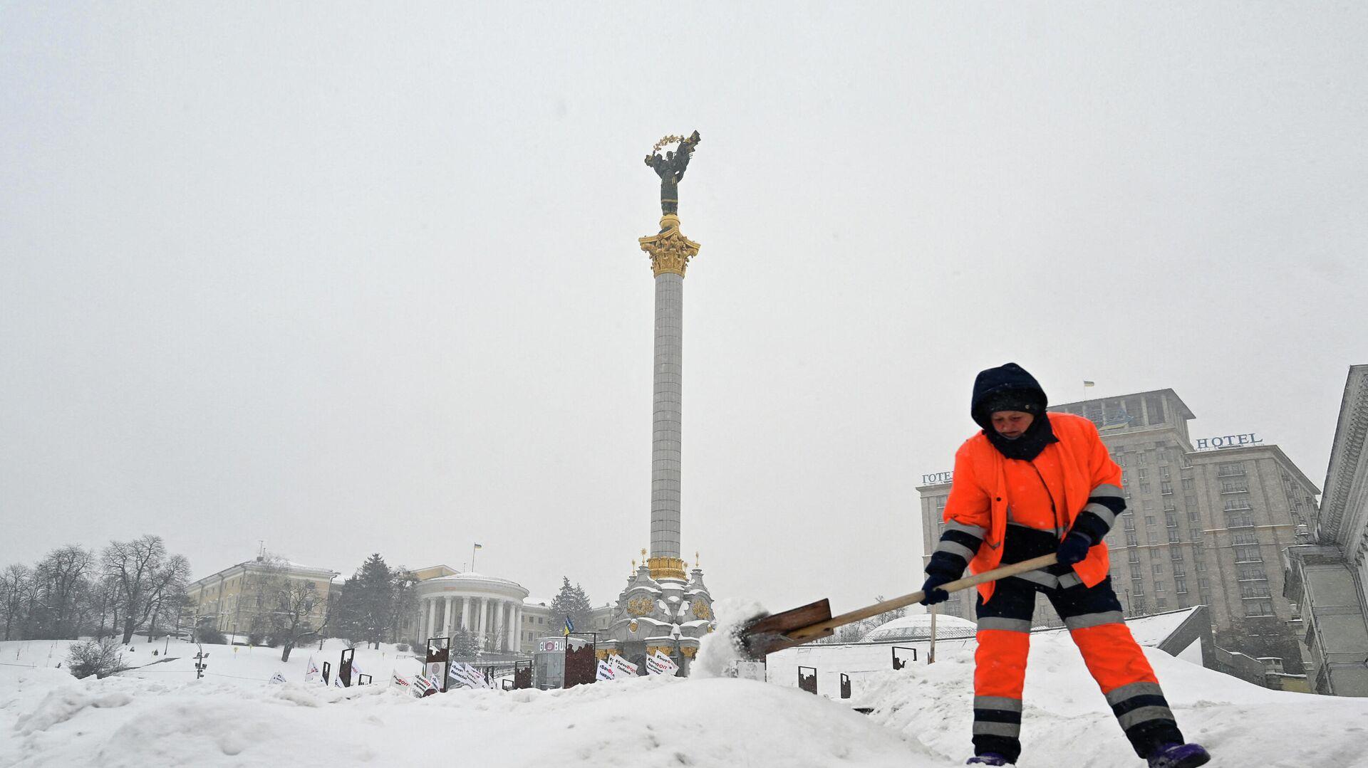 Последствия снегопада в Киеве  - РИА Новости, 1920, 18.02.2021