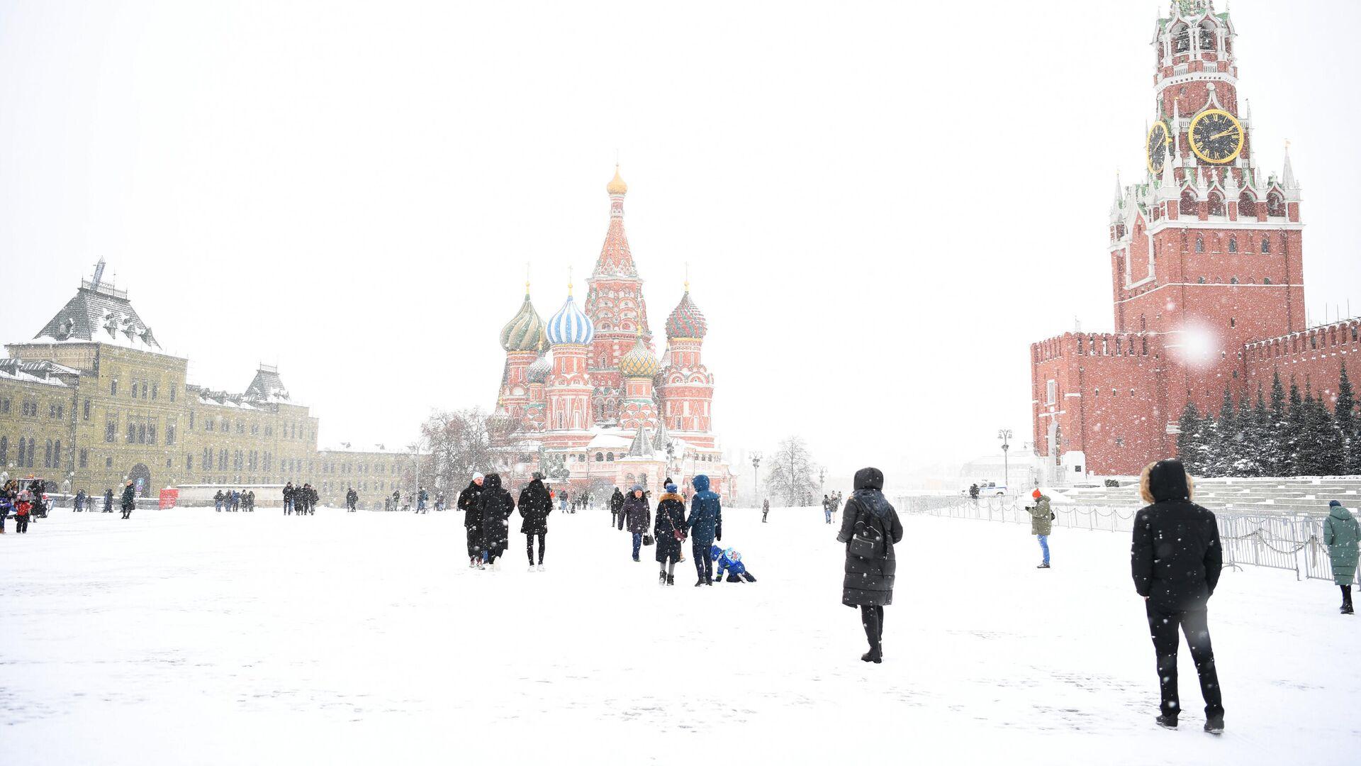 Прохожие на Красной площади в Москве - РИА Новости, 1920, 23.02.2021