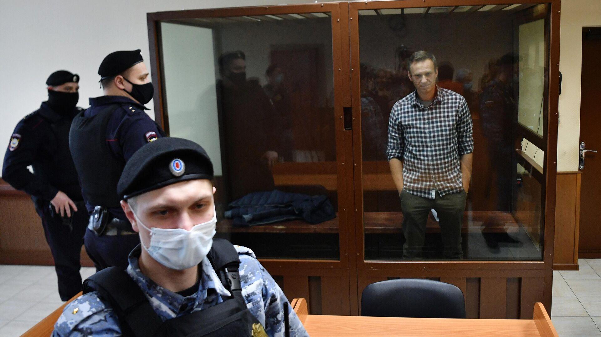 Алексей Навальный в зале Бабушкинского районного суда - РИА Новости, 1920, 28.02.2021