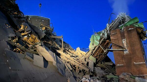 Последствия обрушения в цеху на Норильской обогатительной фабрике