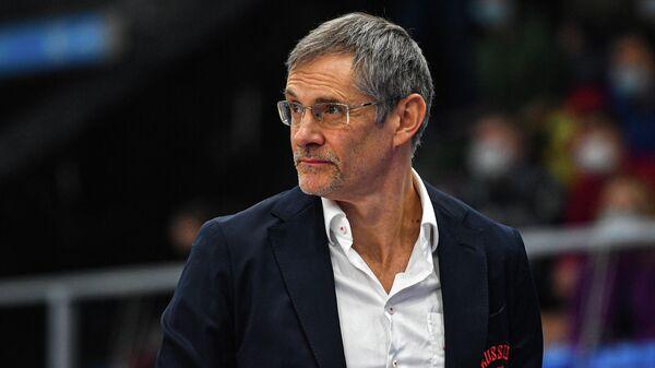 Главный тренер сборной России Сергей Базаревич во время матча группового этапа квалификации чемпионата Европы по баскетболу среди мужчин 2022 между сборными командами России и Эстонии.
