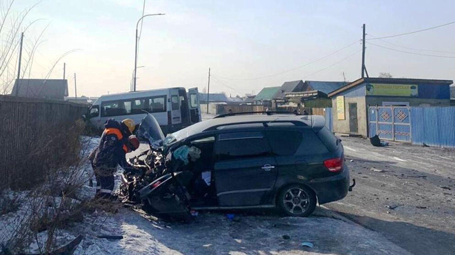 ДТП с участием микроавтобуса в Кызыле - РИА Новости, 1920, 22.02.2021