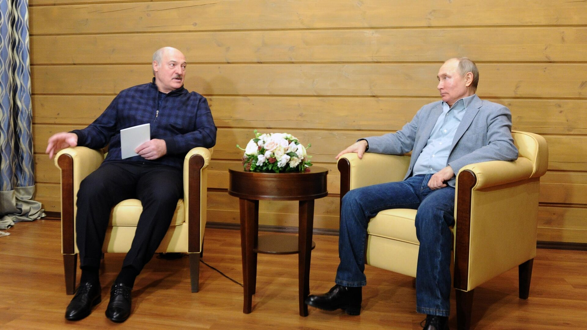 Президент РФ Владимир Путин и президент Белоруссии Александр Лукашенко во время встречи - РИА Новости, 1920, 22.02.2021