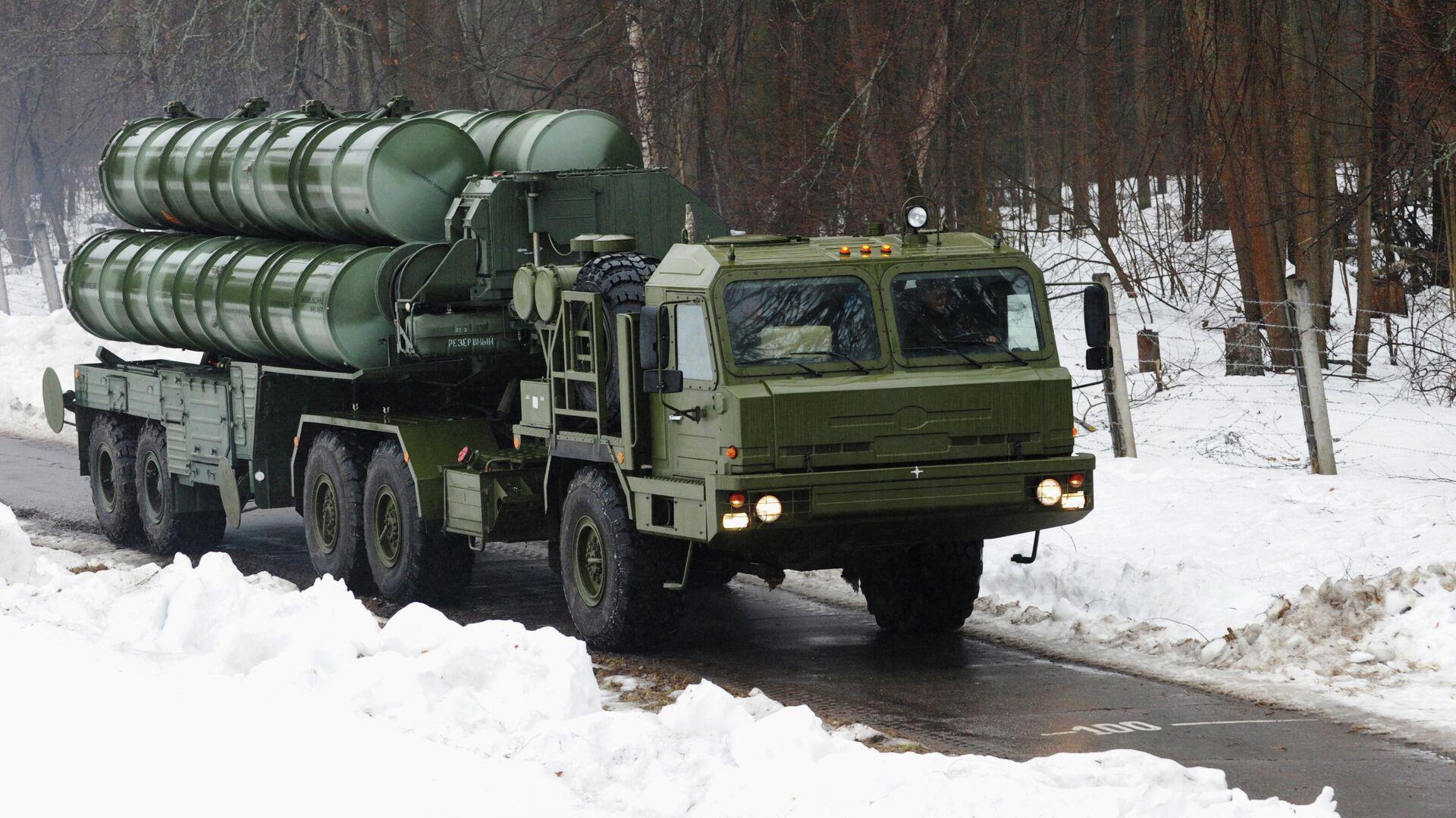 Пусковая установка зенитно-ракетного комплекса С-400 Триумф  - РИА Новости, 1920, 08.03.2021