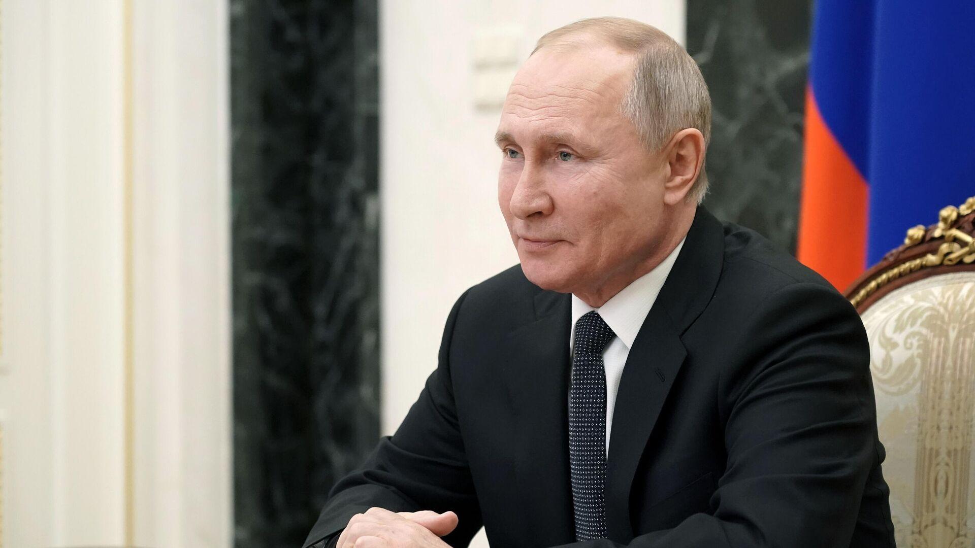 Президент РФ Владимир Путин проводит в режиме видеоконференции оперативное совещание с постоянными членами Совета безопасности РФ - РИА Новости, 1920, 23.03.2021