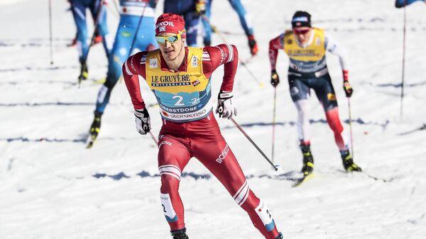 Глеб Ретивых (Россия) на дистанции командного спринта в финале во время соревнований по лыжным гонкам среди мужчин на чемпионате мира-2021 по лыжным видам спорта в немецком Оберстдорфе.