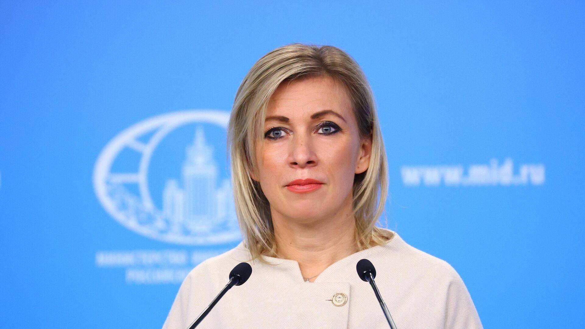 Официальный представитель Министерства иностранных дел России Мария Захарова во время брифинга - РИА Новости, 1920, 12.03.2021