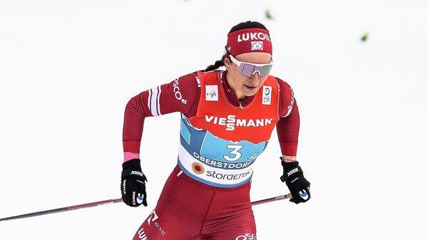 Наталья Непряева (Россия) во время соревнований по лыжным гонкам на чемпионате мира-2021 по лыжным видам спорта в немецком Оберстдорфе.
